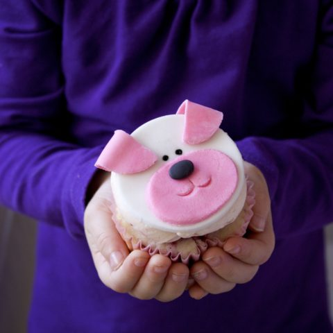 Easy Puppy Cupcakes (How-To)